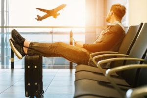 空港には何時間前に行けば良い?